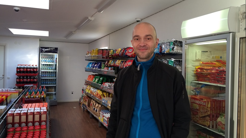Robert Ilijason in the store in Viken, Photo: P4 Kristianstad