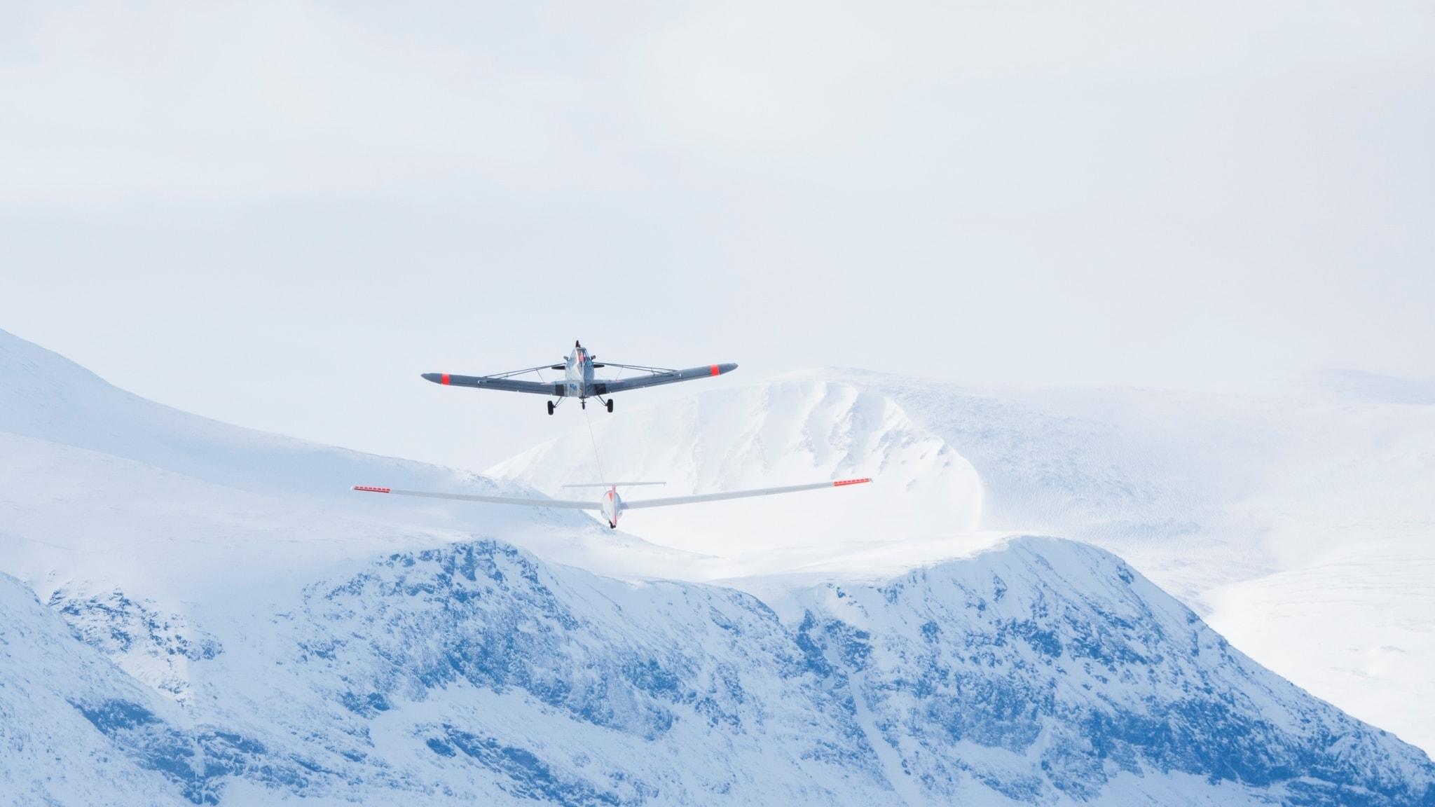 Med segelflygplan över Kebnekaise och en tur till skogarna och sjöarnas Dalsland