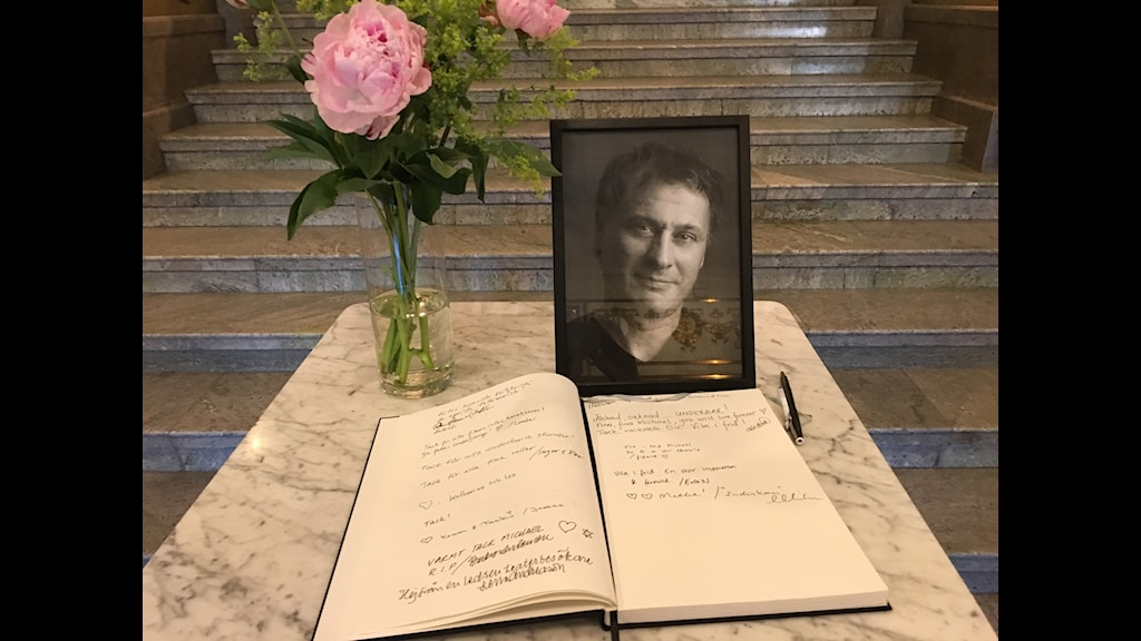 The book of condolences at the Swedish national theatre, Dramaten.