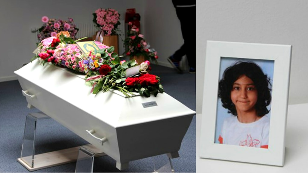 A picture of a white coffin and a portrait of the 8-year-old Yara. Photo: Andrea Jilder/Sveriges Radio