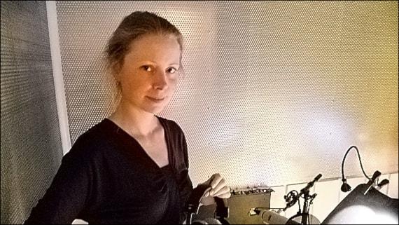 Julia Dufvenius om att läsa in 47 böcker om Isfolket.