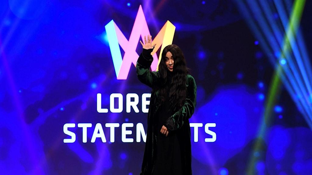 Loreen inleder sin mellovecka - med halsfluss - P4 Västmanland