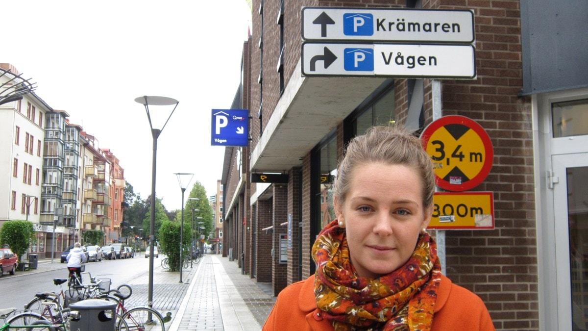 ny ledsagare klädespersedlar i Örebro