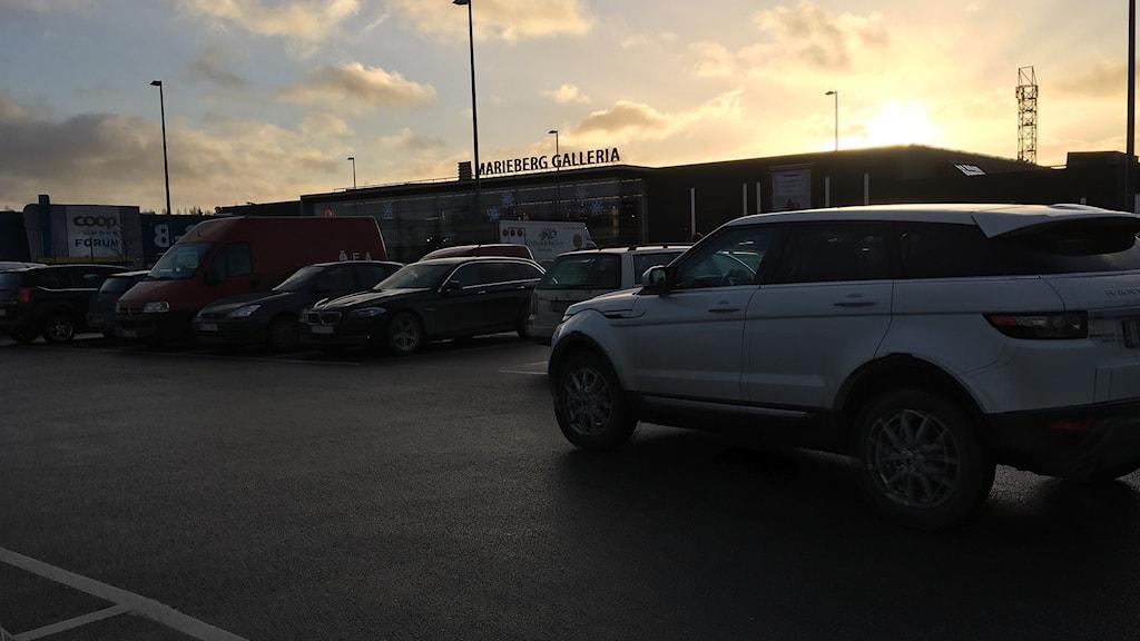 Anhölls För Rån Och Misshandel På Mariebergs Parkering P4Örebro Sveriges Radio