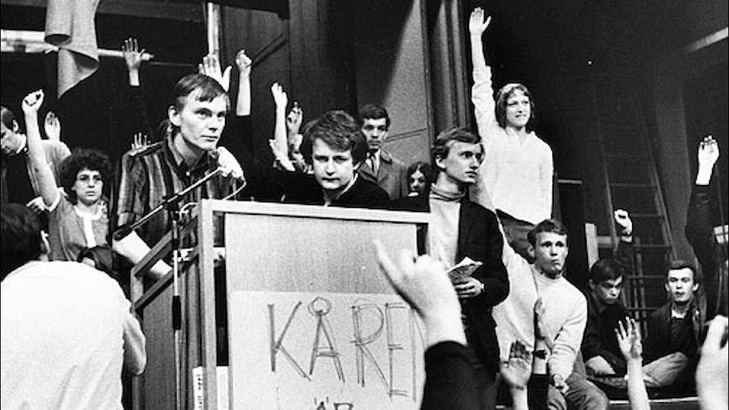 Studenter under kårhusockupationen, med Anders Carlberg i talastolen. Maj 1968. Scanpix.