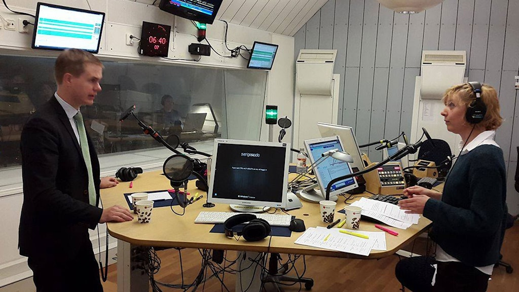 Green Party co-leader Gustav Fridolin at Swedish Radio's morning program P1. Photo: Karin Albons / Swedish Radio.