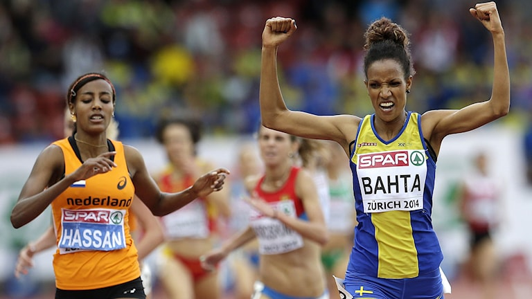 Sweden's Meraf Bahta, right wins the 5000m final ahead of Netherland's Sifan Hassan during the European Athletics Championships in Zurich, Switzerland, Saturday, Aug. 16, 2014. AP Photo/Petr David Josek