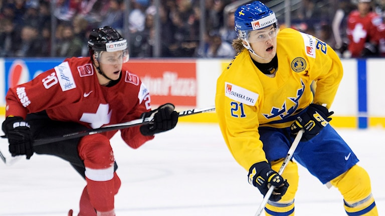 William Nylander och Juniorkronorna ställs mot Schweiz i första matchen. Foto: AP Photo/The Canadian Press, Nathan Denette