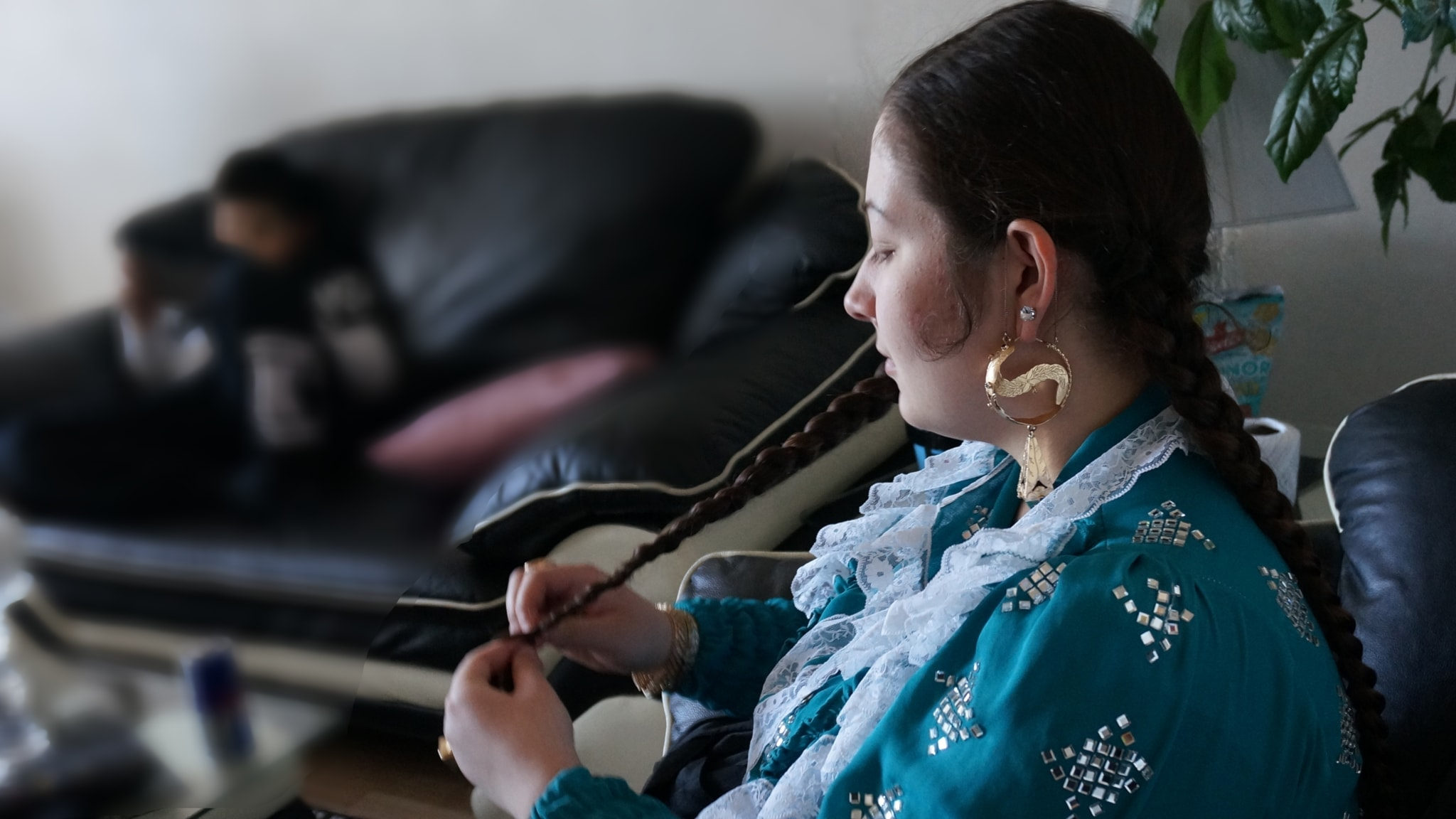 Romaniperheessä tunteet kerrotaan usein välittäjälle