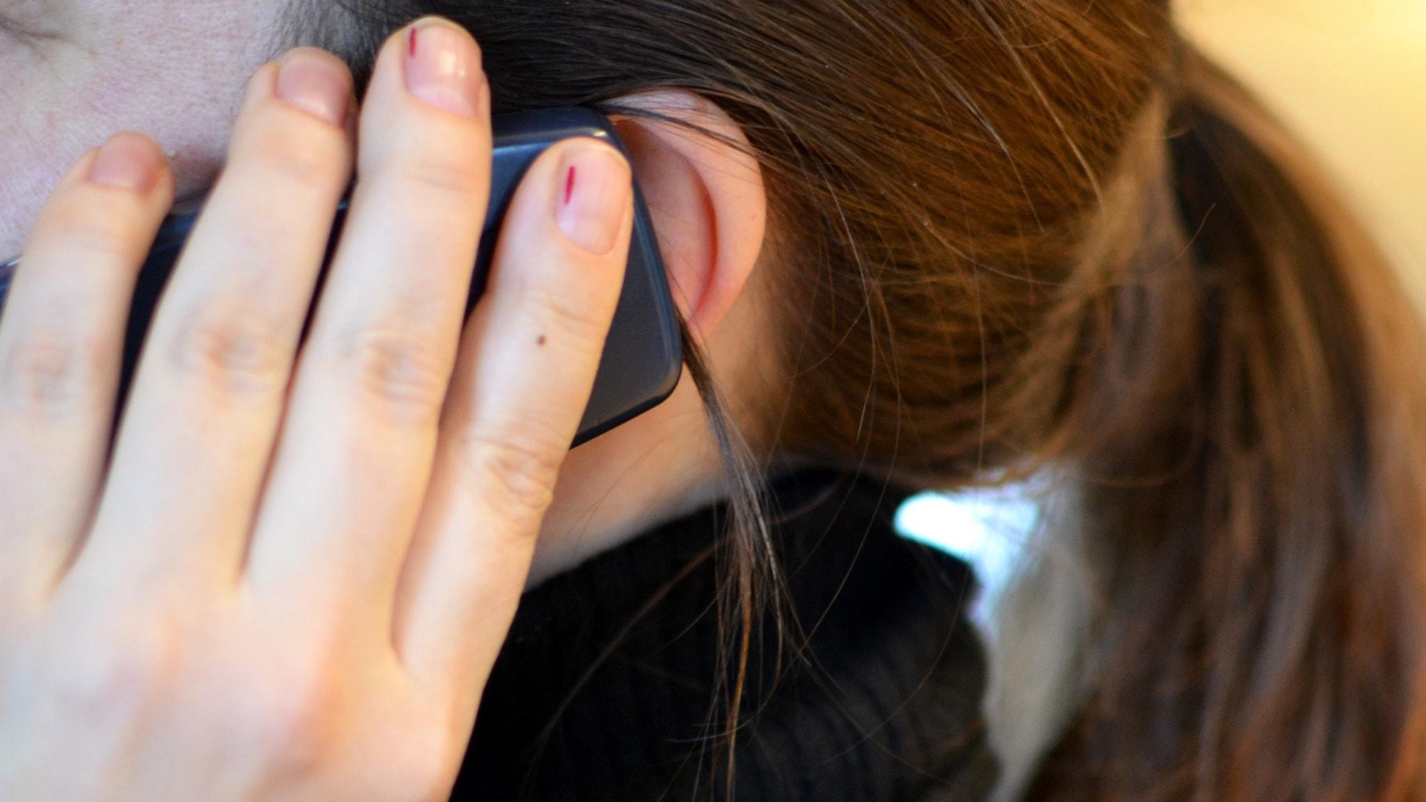 Jag svarar i telefon på Självmordslinjen