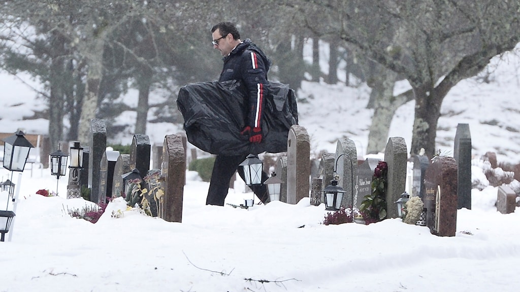 The 42-year-old's body was exhumed at Gustavsberg graveyard today.