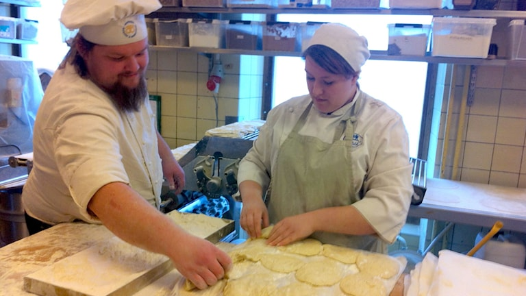 Bakers working to keep up with the demand for semla wraps. Photo: Brett Ascarelli / Radio Sweden