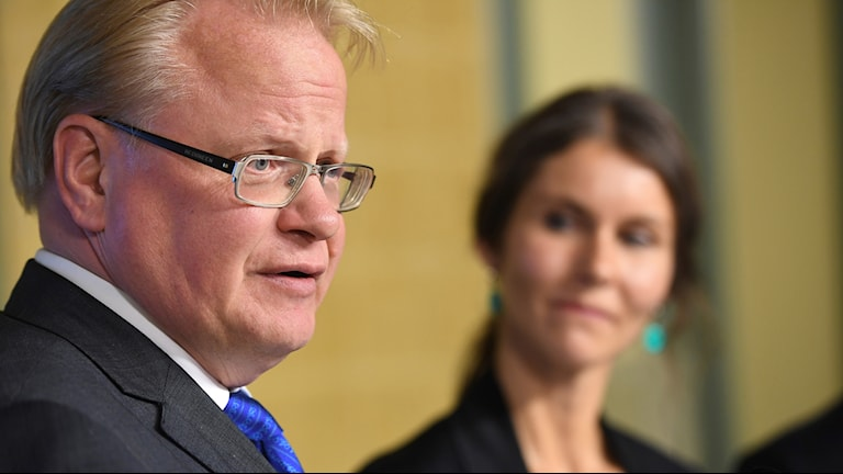 Defence Minister Peter Hultqvist received the results of an investigation into armed forces recruiting from Annika Nordgren Christensen on Wednesday.