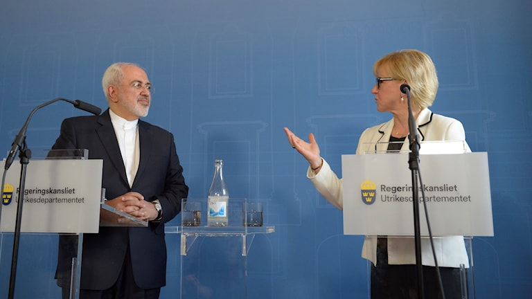 Wallström and Iranian Foreign Minister Zarif at the joint press conference. Photo: Maja Suslin/TT