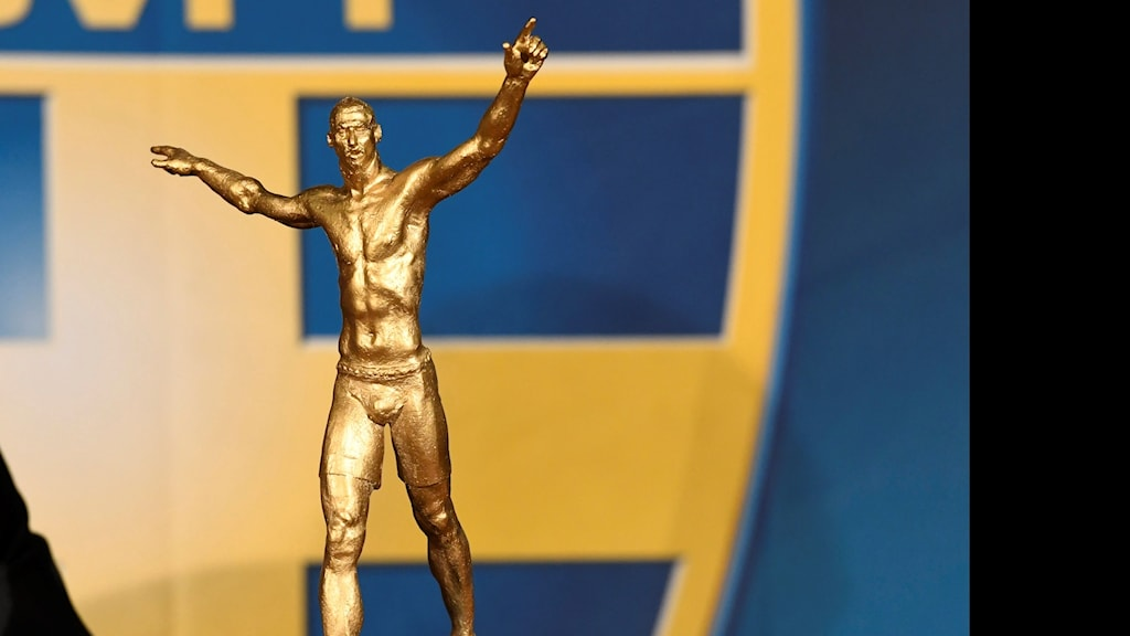 A small copy made by PeterLinde of his statue of Zlatan.