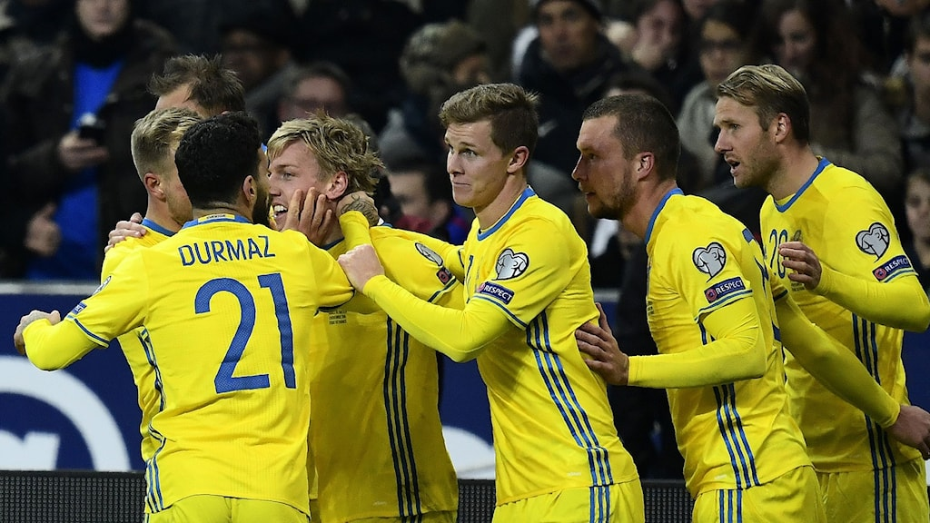 Emil Forsberg celebrates after his free-kick gave Sweden the lead against France