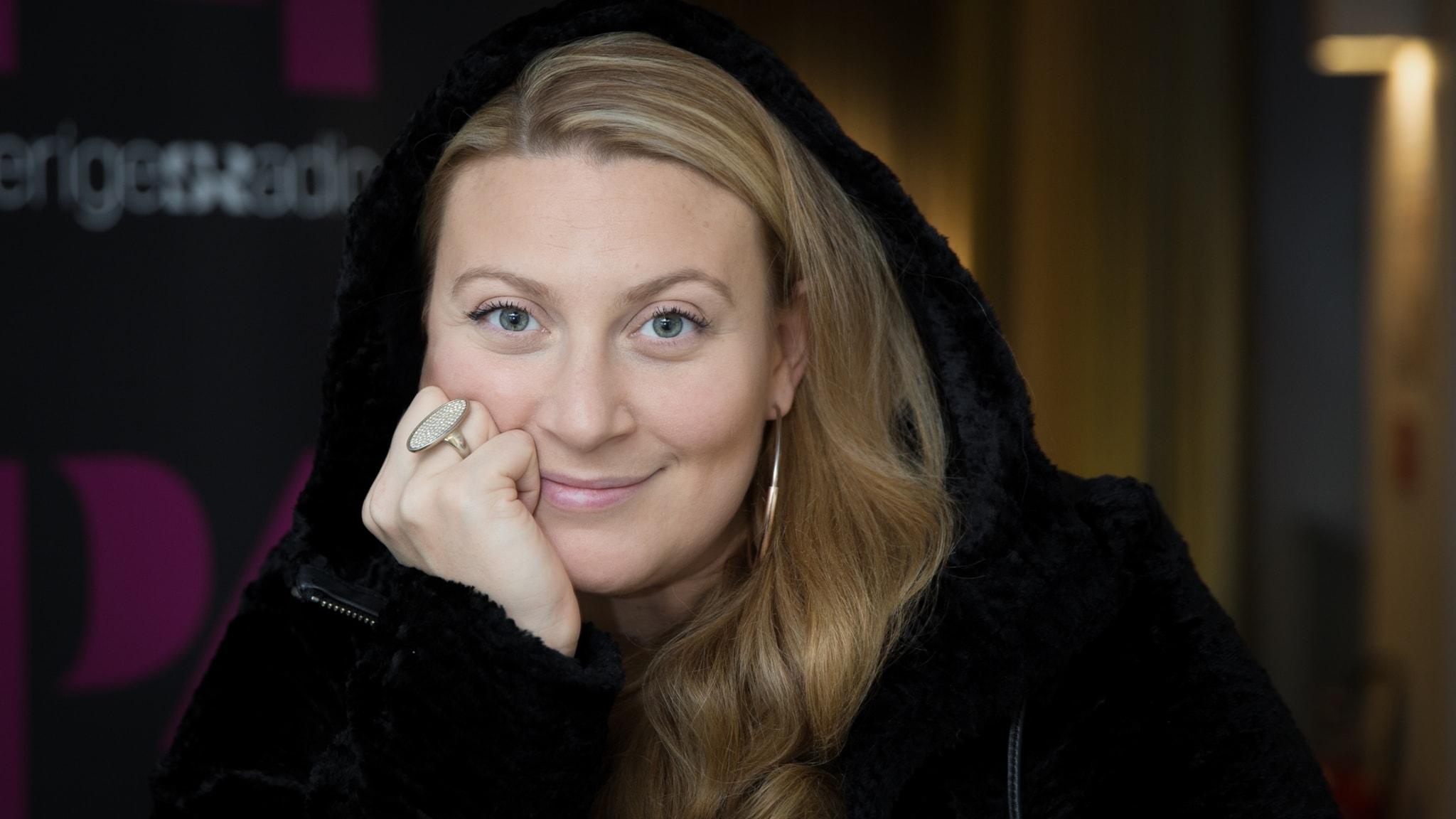 Sarah Dawn Finer tar över programledarskapet i