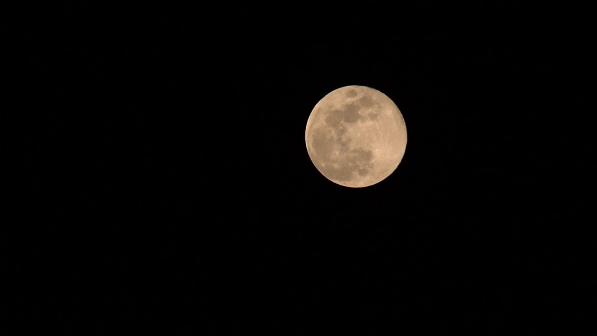 En lugn måne