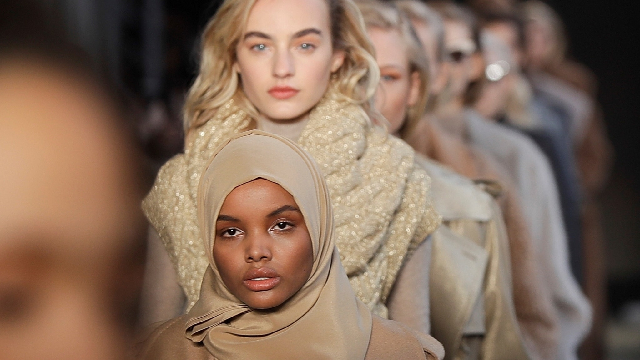 Från avklätt till påklätt – en växande trend i tiden