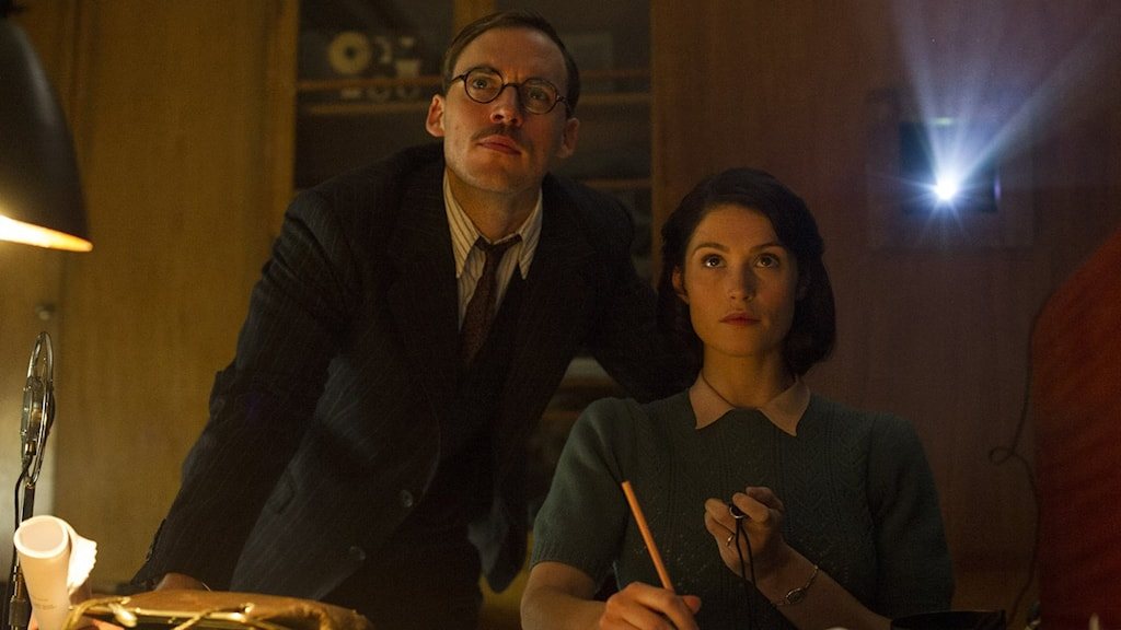 Sam Claflin och Gemma Arterton i Their finest hour. Foto: SF.