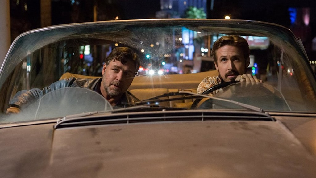 Russel Crowe och Ryan Gosling i The Nice Guys. Foto: Noble Entertainment.