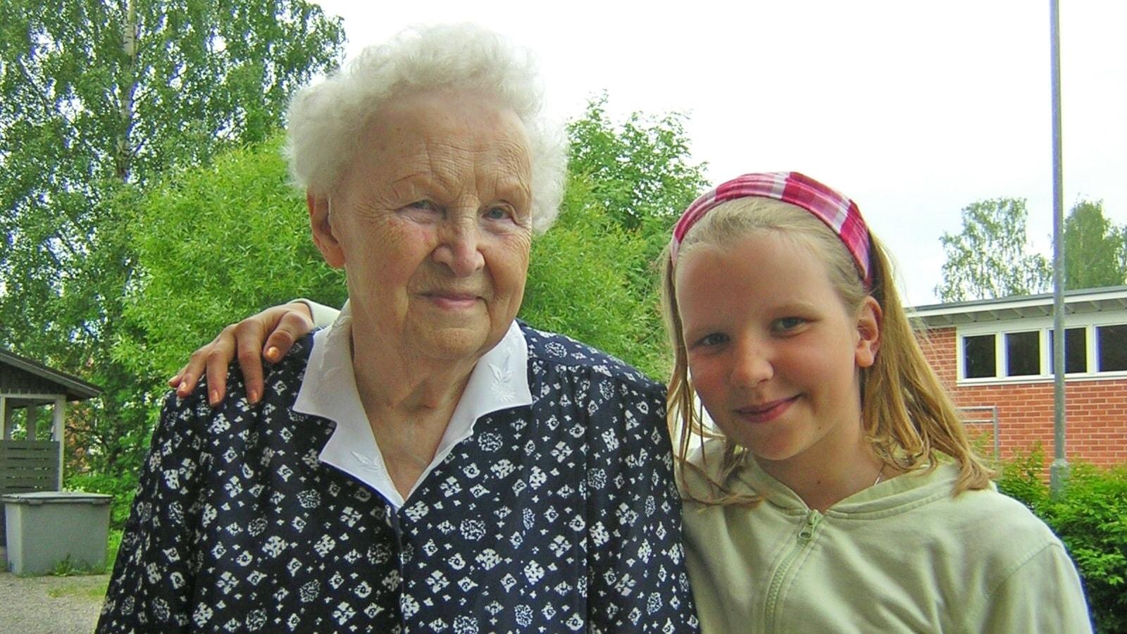 Suomi 100 vuotta: Helvi-mummu kertoo, osa 1