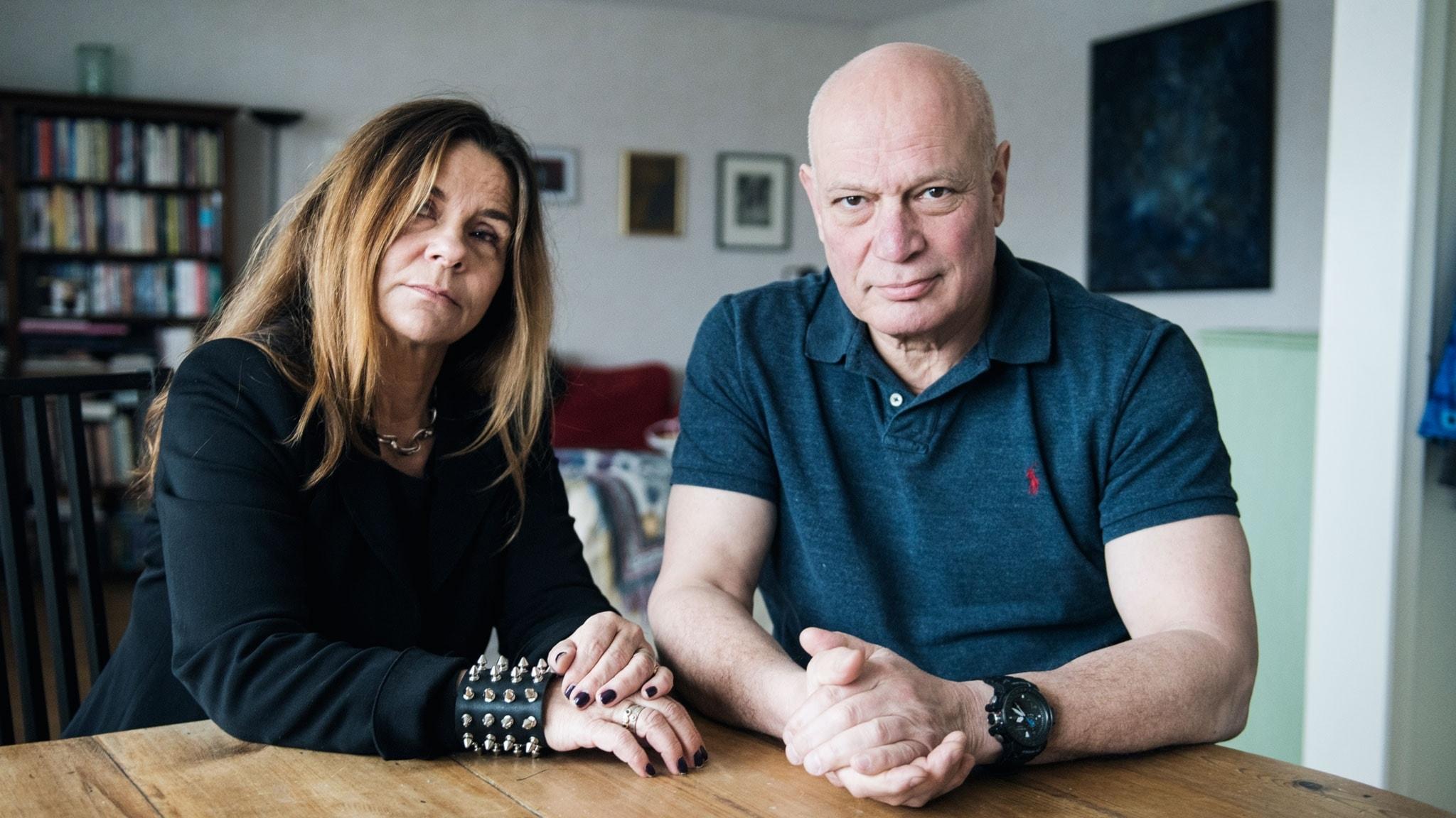 Katarina Hahr möter journalisten Robert Aschberg i ett samtal om rädsla