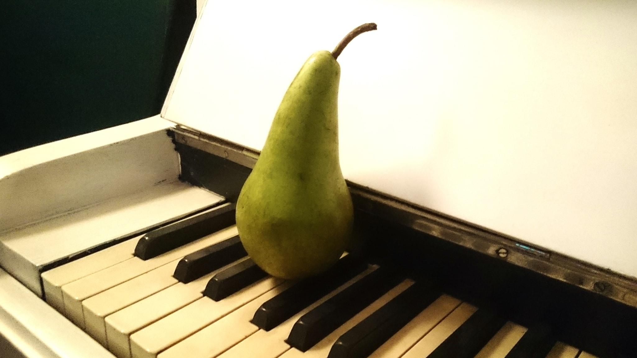 Om Erik Satie - spela