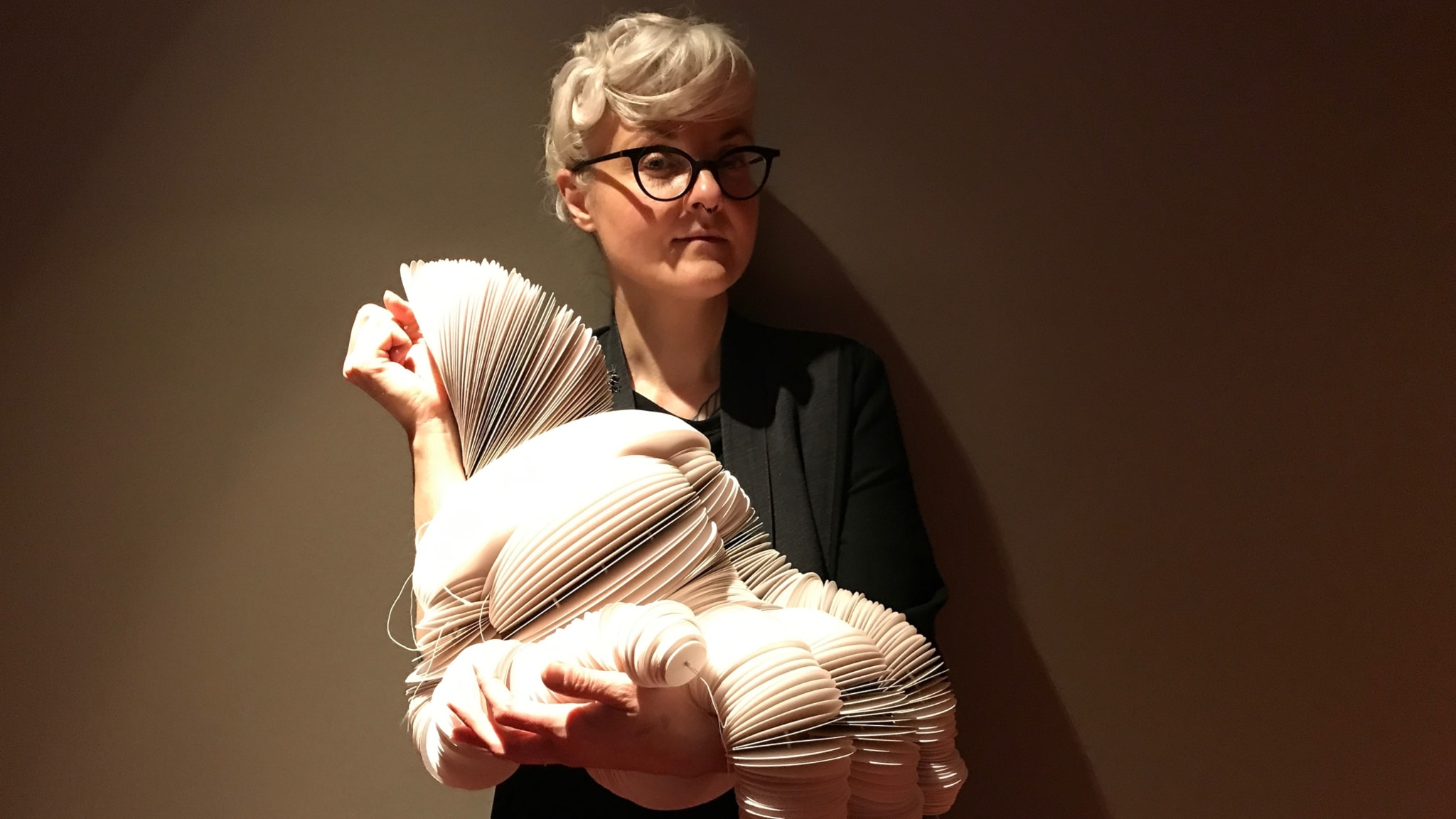 Bea Szenfeld: Mina plagg kan väga 30-40 kg