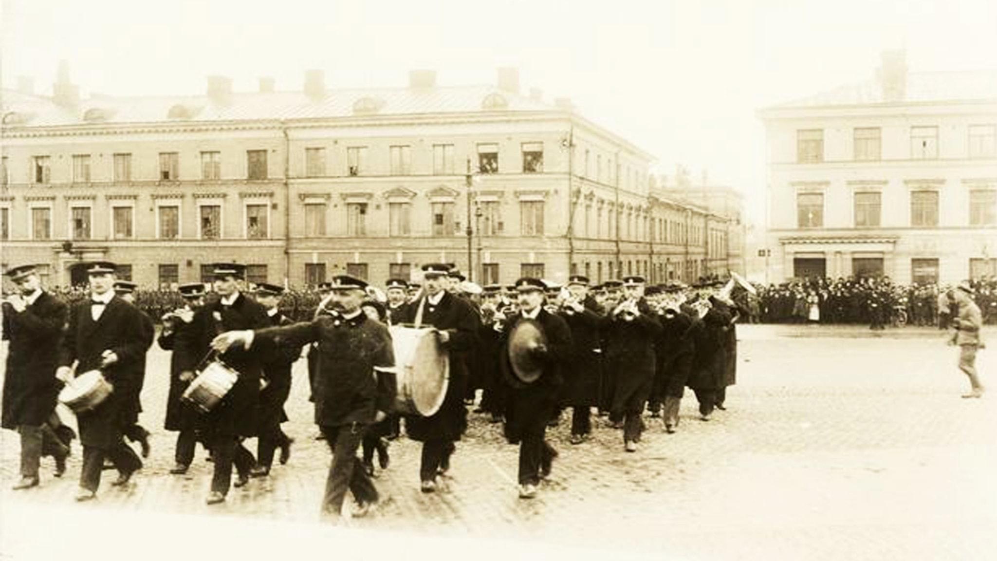 Suomen isänmaan koitto 1910-luku