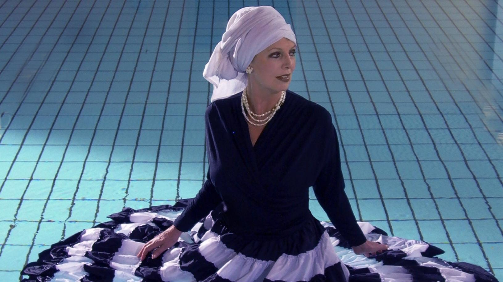 Musikbärarna - Suzanne Brøgger sjunger Blues. Möt en människa som lever tätt intill musiken.