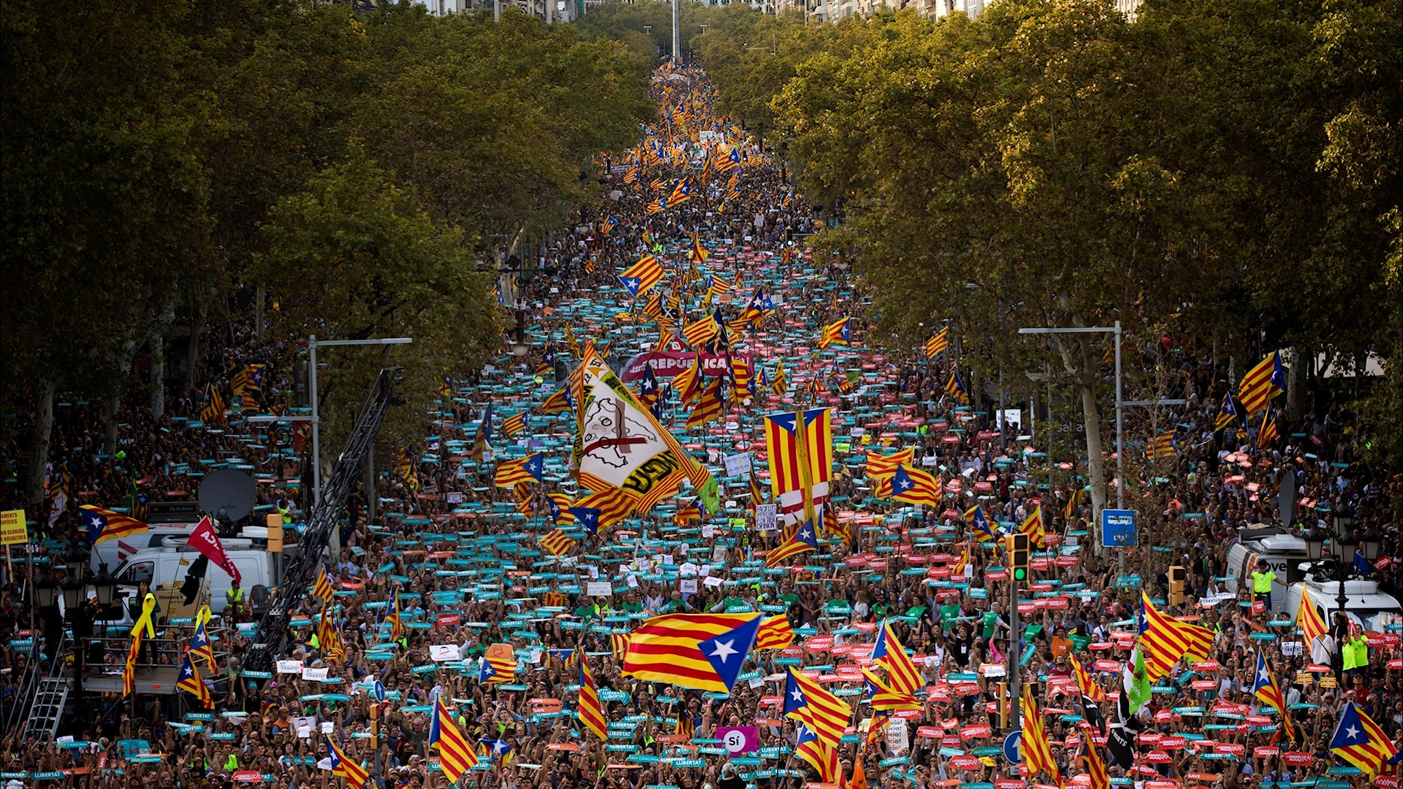 22 okt 2017: Starka reaktioner i Katalonien