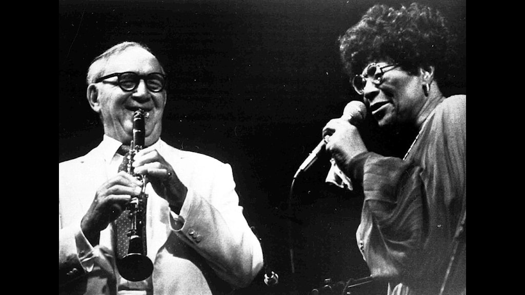 Benny Goodman and Ella Fitzgerald perform together at an open air concert in Bad Segeberg, near Hamburg, July 25, 1982, during the International Days of Jazz festival. (AP Photo)
