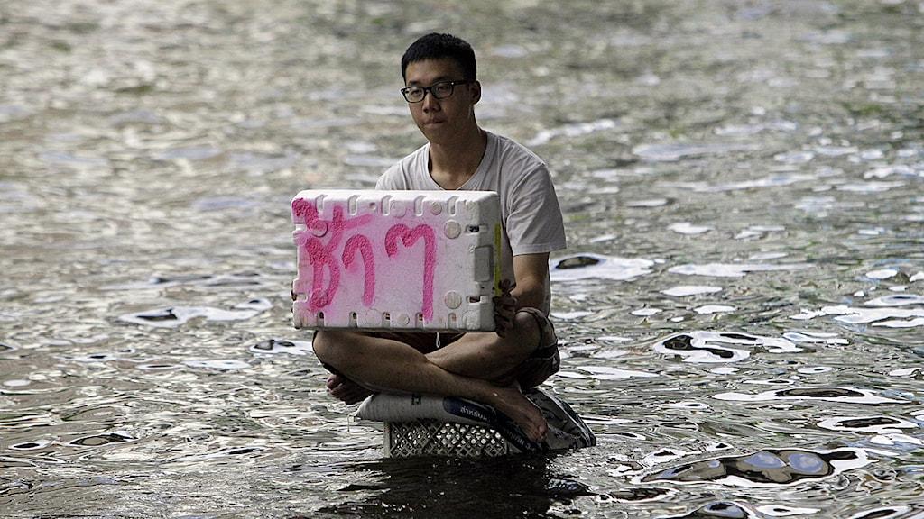 läget i thailand stora brös