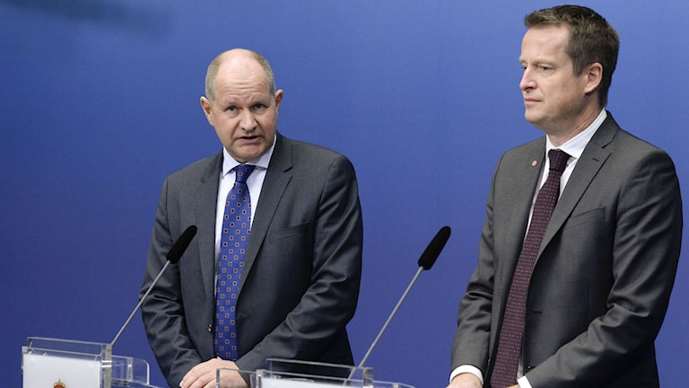 Home Affairs minister Anders Ygeman (right) presents new police commissioner Dan Eliasson. Photo Bertil Ericson/TT.