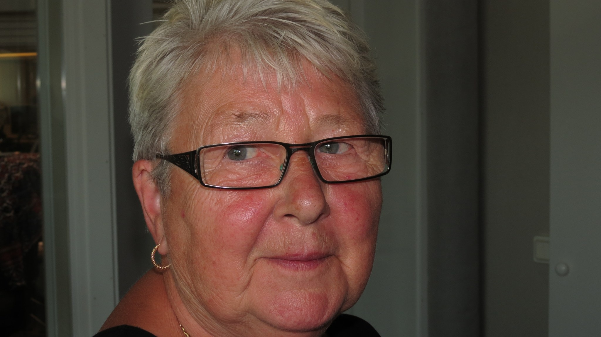 byrå ledsagare stort bröst i Stockholm