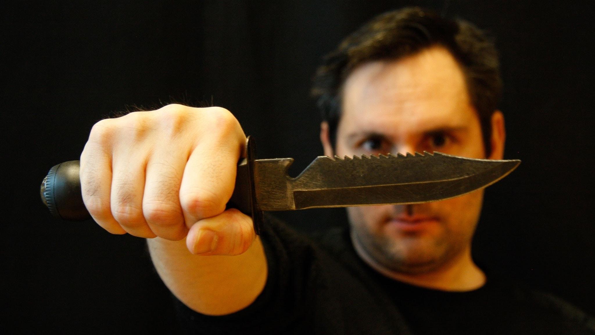 Kniven av Nicolas Kolovos