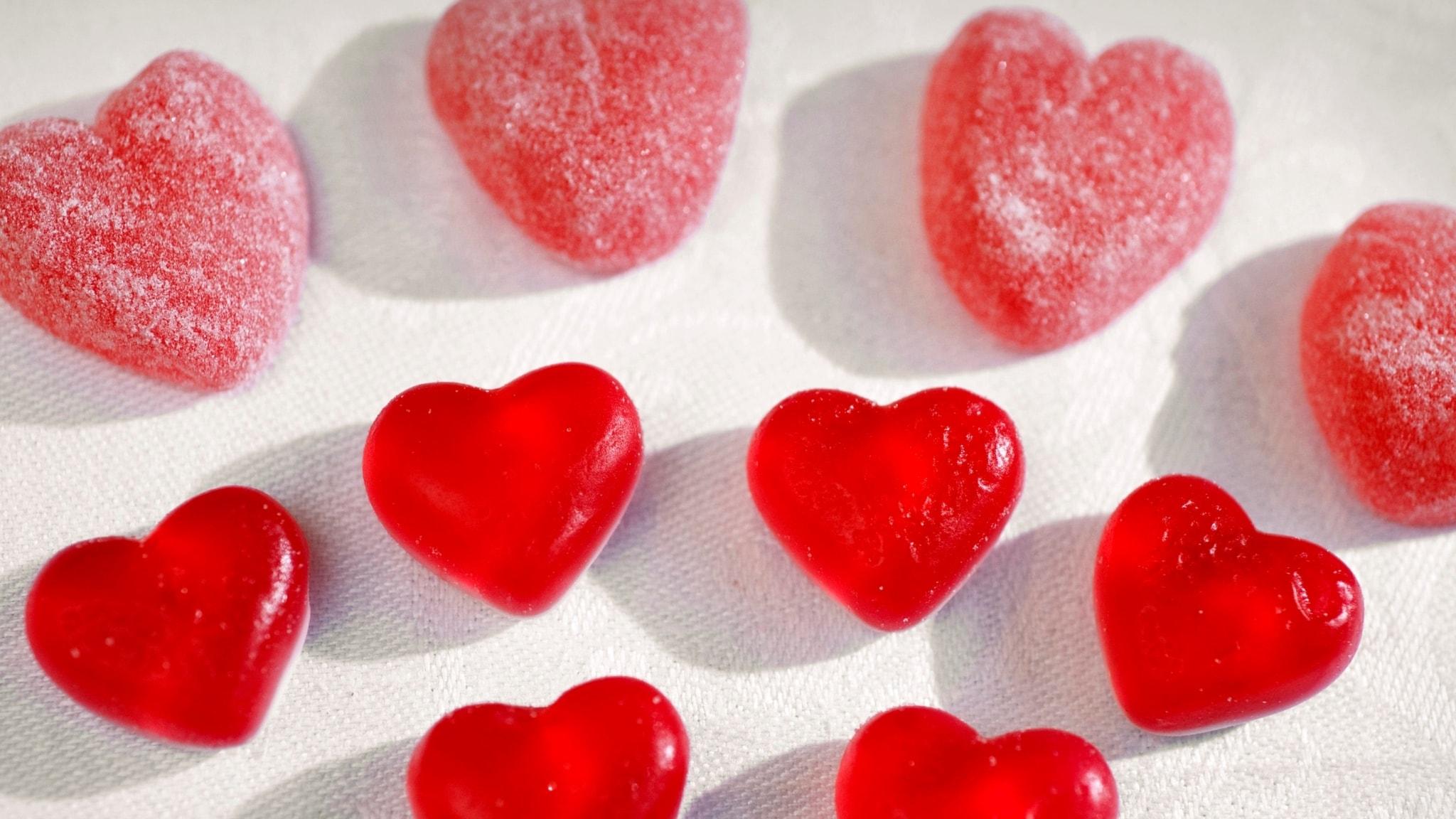 Mycket kärlek och värme idag på Alla hjärtans dag. Vi fick höra Kärleksvals, Mitt hjärta klappar för dig och musik ur La Boheme bl a. - spela