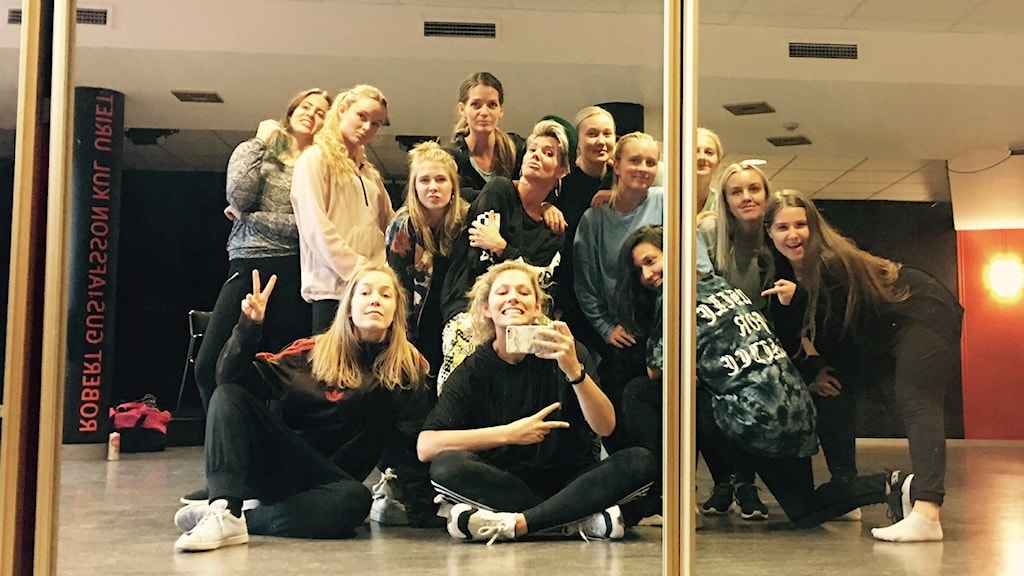 Insight Dance. Dansgrupp som sätter upp showen Good Girl.