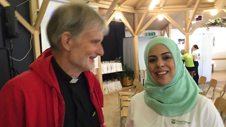 Anders O Johansson och Warda Alnazli.