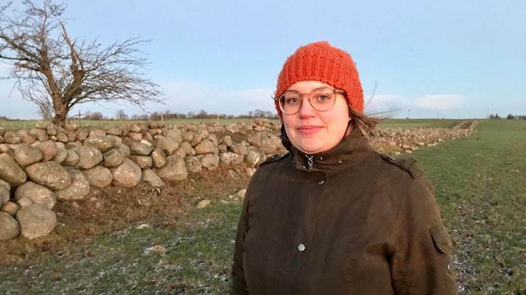 Sandra Lindström visar var Scandivanadium vill provborra.