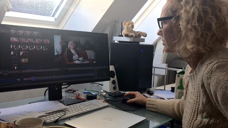 Susanna Udvardi klipper ihop en film om kvinnojourens historia.