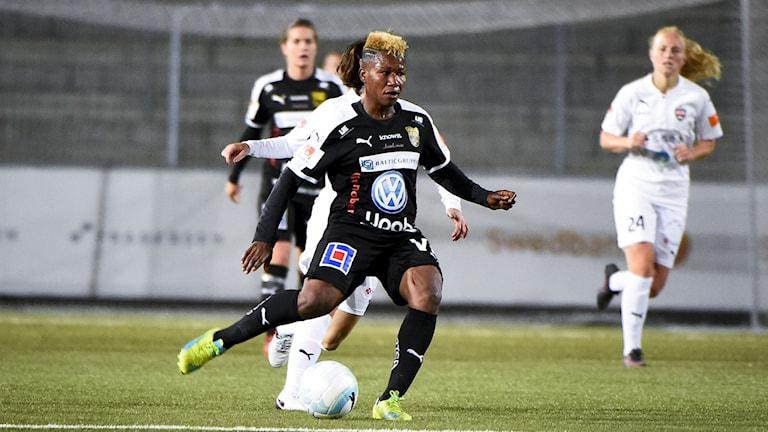 Rita Chikwelu går från Umeå till Kristianstads DFF.