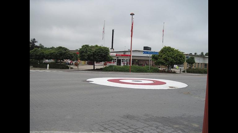 Den omstridda korsningen förvandlad till rondell. Foto: Midia Osman Taha/Sveriges Radio