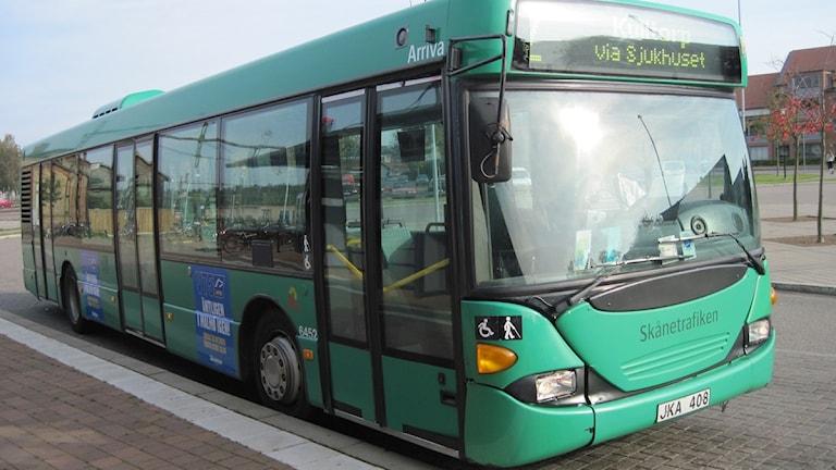 En grön stadsbuss. Foto: Malin Nilsson/Sveriges Radio