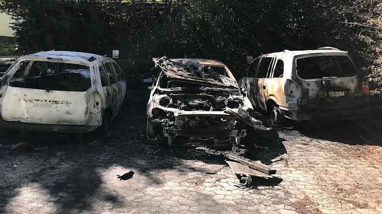 Tre bilar som har blivit utsatta för bilbrand.