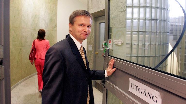 Chefsåklagare Pär Andersson fick behålla den 63-årige mannen i häktet för att kunna fortsätta utredningen. Foto: Drago Prvulovic/Scanpix