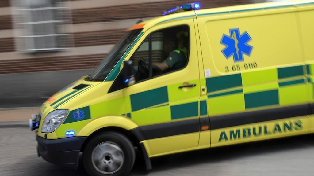 Gul ambulans.