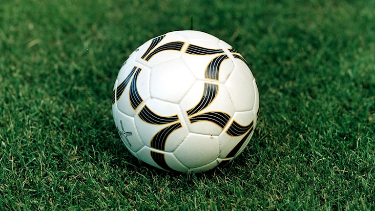 En fotboll. Foto: Sveriges Radio