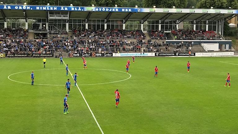 Halmstads BK mot Helsingborgs IF i Superettan.